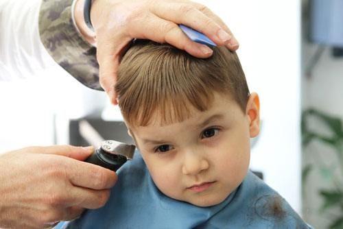 nên chọn mua tông đơ cắt tóc cho bé loại nào tốt nhất hiện nay 2017