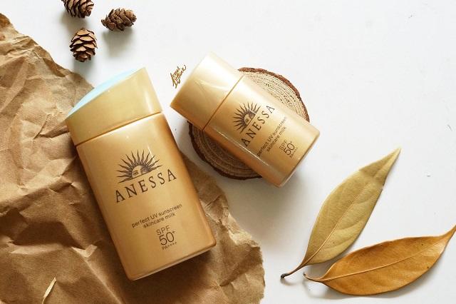 Kem chống nắng Anessa Perfect UV Sunscreen Skincare Milk SPF50