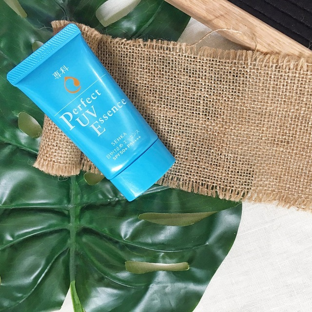 Kem chống nắng Senka Perfect UV Milk