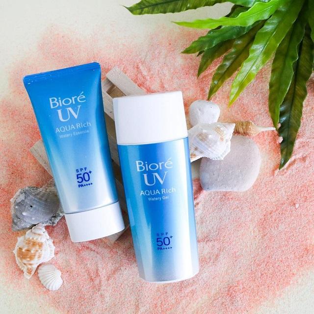 Kem chống nắng body tốt nhất Biore UV Aqua Rich Water Essence