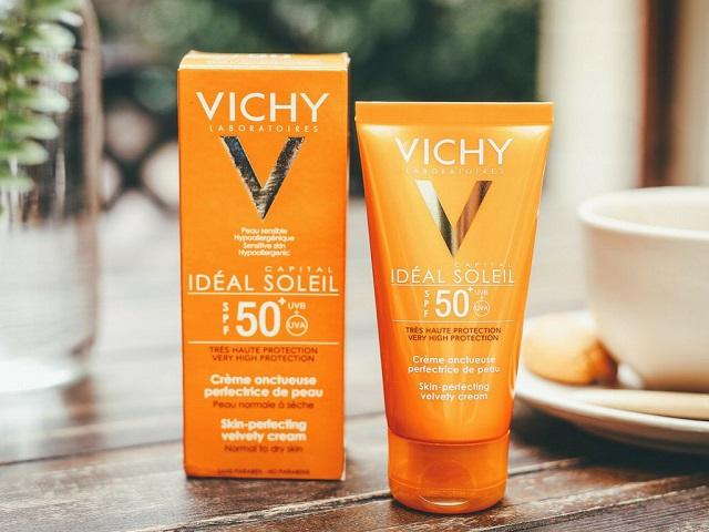 Kem chống nắng Vichy có màu cam nổi bật