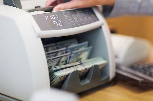 Máy đếm tiền hỗ trợ đếm tiền nhanh chóng, chính xác