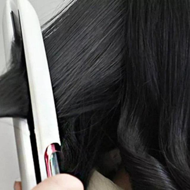 Máy giúp duỗi thẳng tóc nhanh chóng